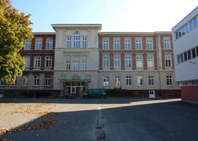 Karmeliterschule ohne Auf-stockung